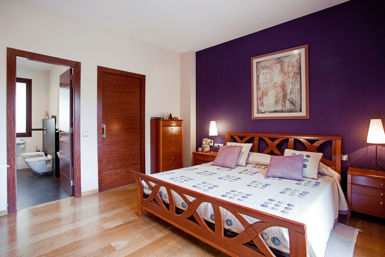 dormitorio-bano-chalet-lujo-muvhaus-fotografia-inmobiliaria
