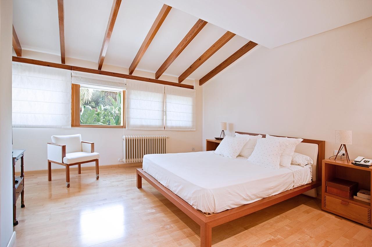 dormitorio-matrimonio-chalet-lujo-muvhaus-fotografia-inmobiliaria